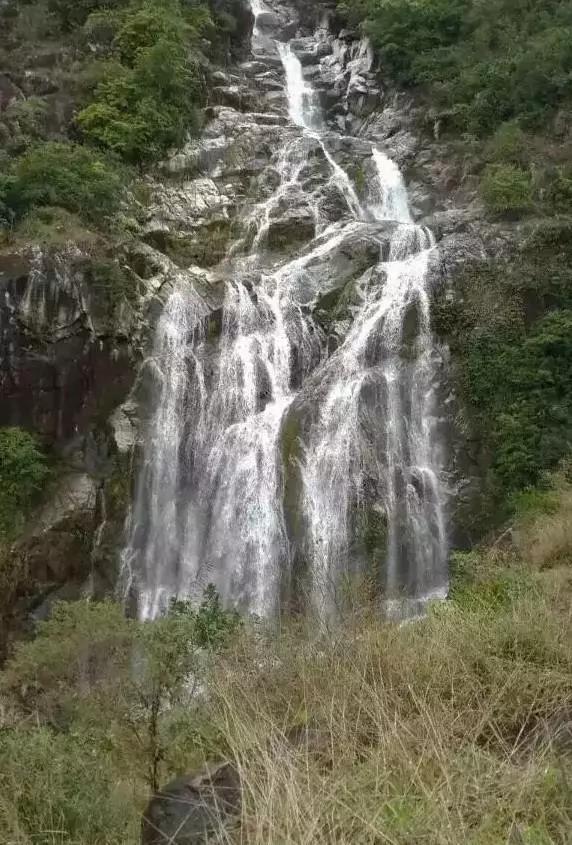 bai石shan瀑bu01.jpg